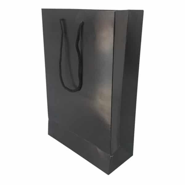 17 x 26 x 7 cm Karton çanta ipli siyah renk