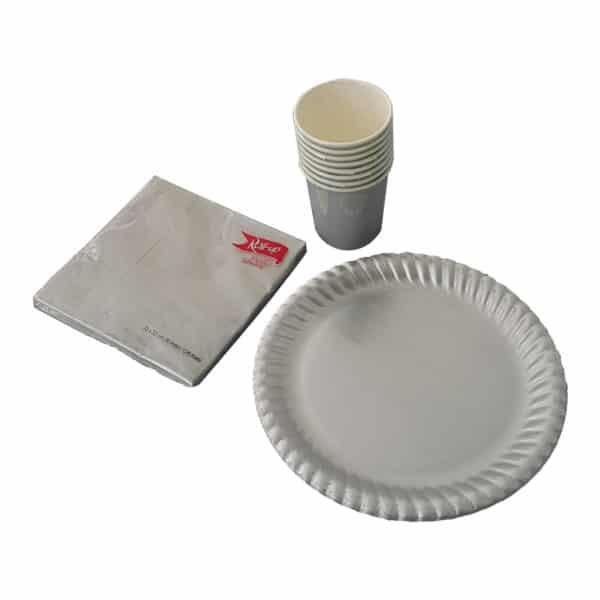 gümüş renkli set peçete (33x33cm kare peçete 20adet), kağıt tabak (22cm-8adet), karton bardak (8 adet)