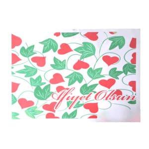 Tepsi kağıdı 30x40 cm ebatta, 500 adetli pakette, ürün gıdayla temasa uygun kağıttan üretilmiştir ve beyaz zemin üzerine kalp görsellidir.